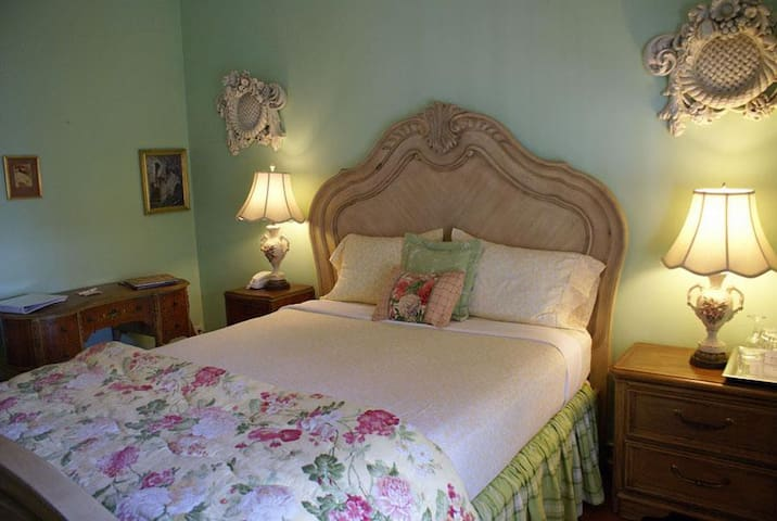 Sabal Palm House B & B: Lautrec Room
