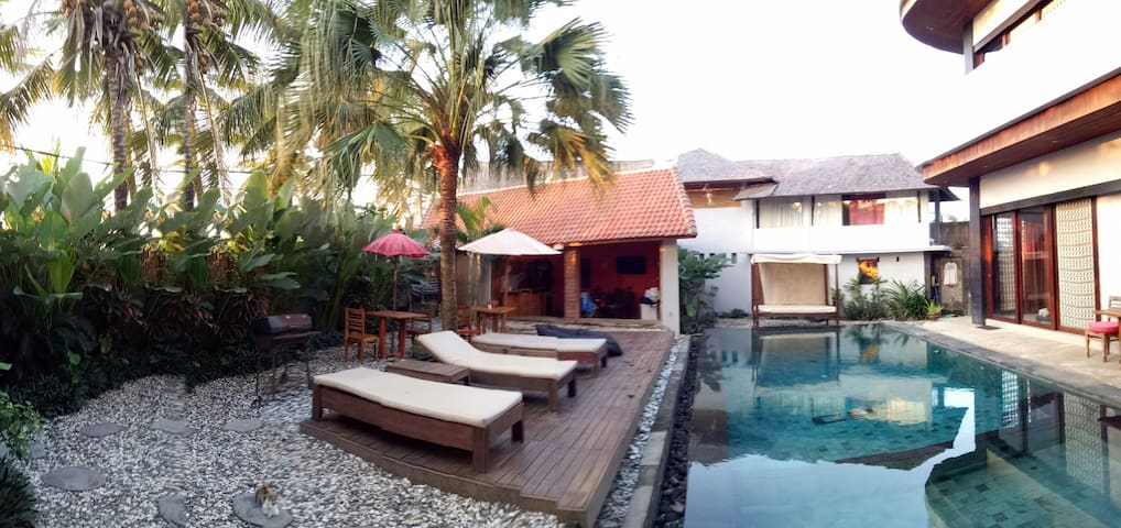 Cozy deluxe room with charming view - Tabanan - Villa