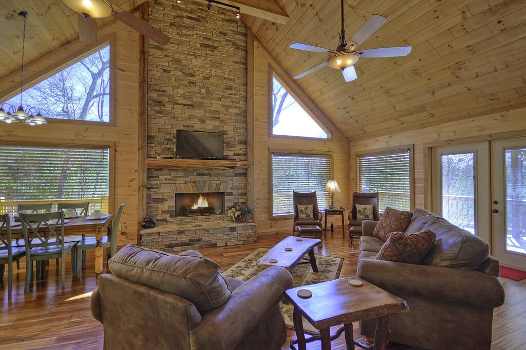 Pioneer Point - Living Area