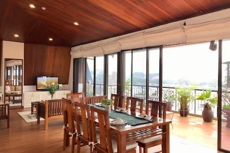 Best View Truc Bach Lake/Big Balcony/2 BED APT