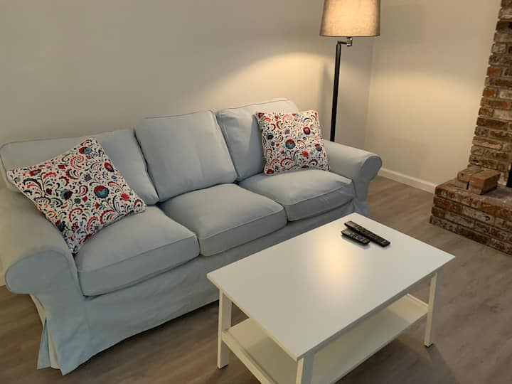 Large  Home Furnished to Suit - Safe Neighborhood