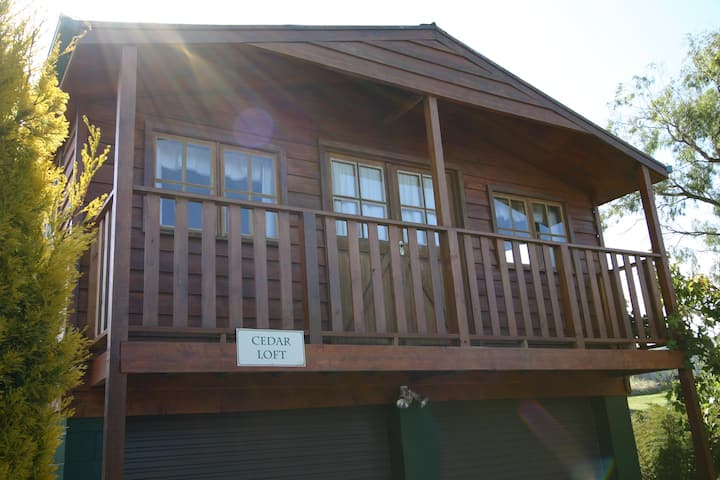 Cedar Loft - Cedar Cottages Blackmans Bay