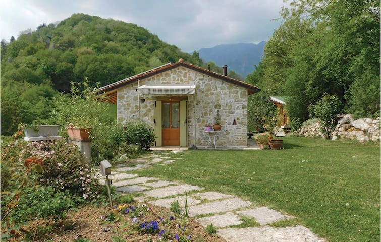 Holiday cottage with 1 room on 40 m² in Castelcucco (TV)