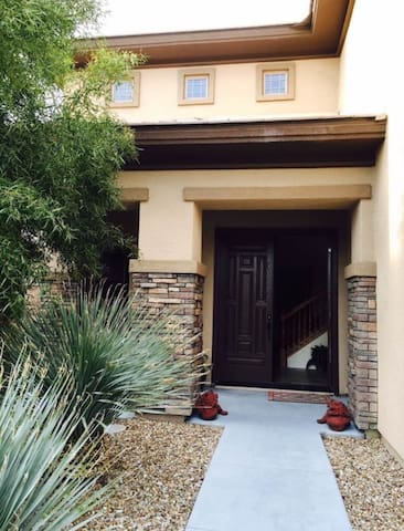 Amazing 5 BDR Home in Las Vegas - นอร์ธ ลาสเวกัส - บ้าน