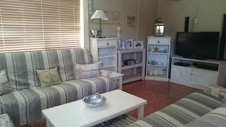 Southern Cross Great Brakriver. Cosy Family Home