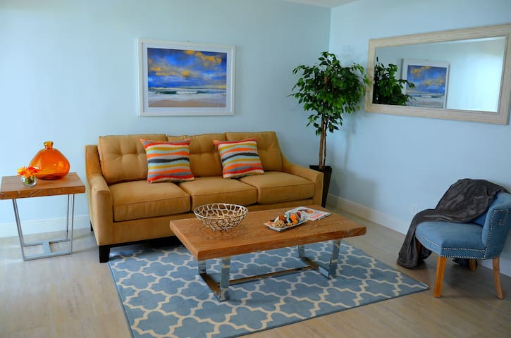 Steps 2 Sand & Services   Self Catering Oasis #3 - Lauderdale-by-the-Sea