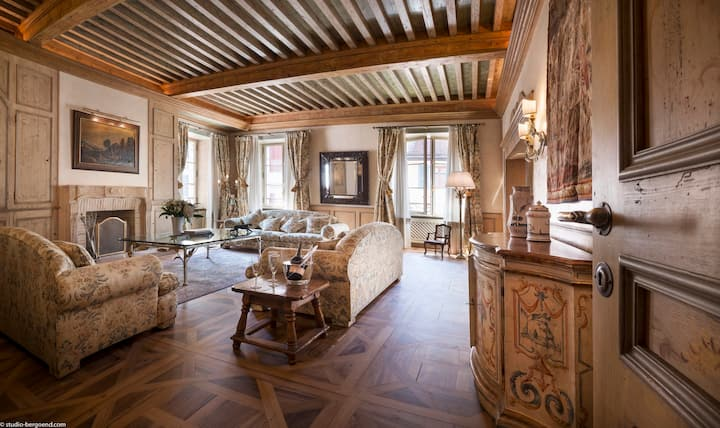 Annecy Historical Center - 165 m² - 3 bedrooms