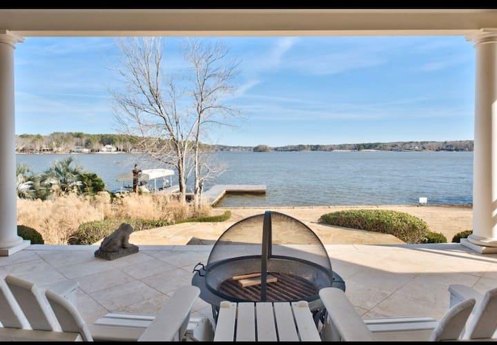 Lake Oconee's fabulous lakefront home-best views!