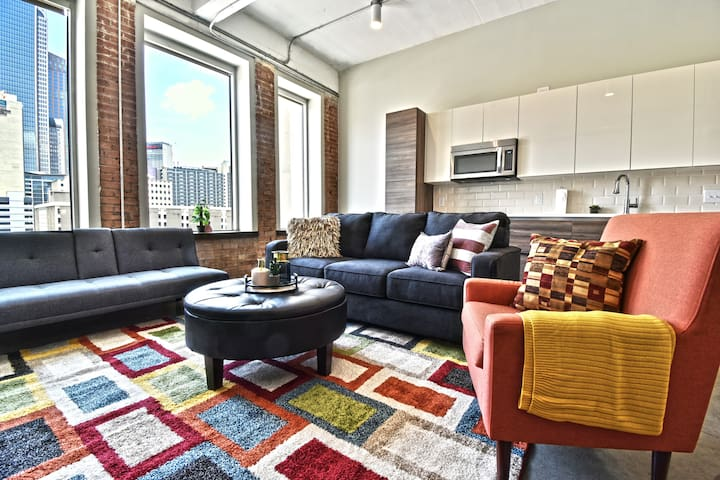 Stylish 1Bedroom Corporate Apt Downtown-Free Valet