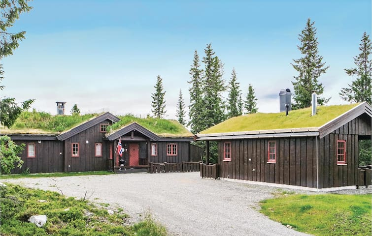 Holiday cottage with 4 bedrooms on 150m² in Lillehammer