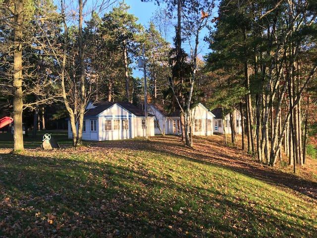 Retro housekeeping cabins on Lake Nokomis WI