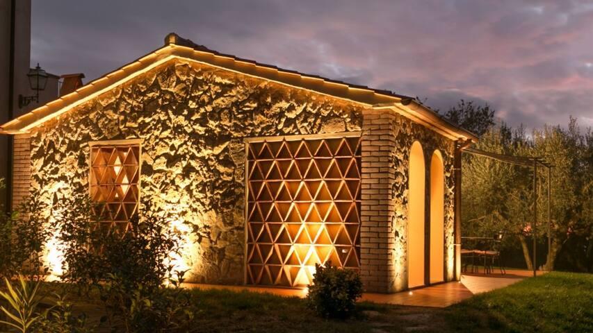 Villetta in perfetto stile toscano case in affitto a for Piccole case in stile toscano