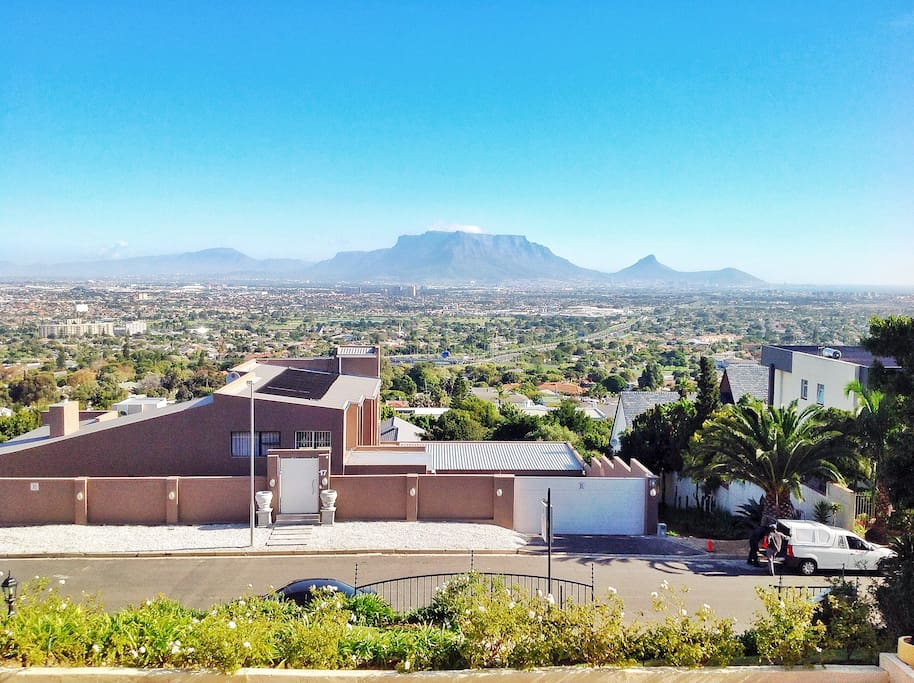 Views, 20 km away from the Cape Town City Centre. Located off the N1 Highway