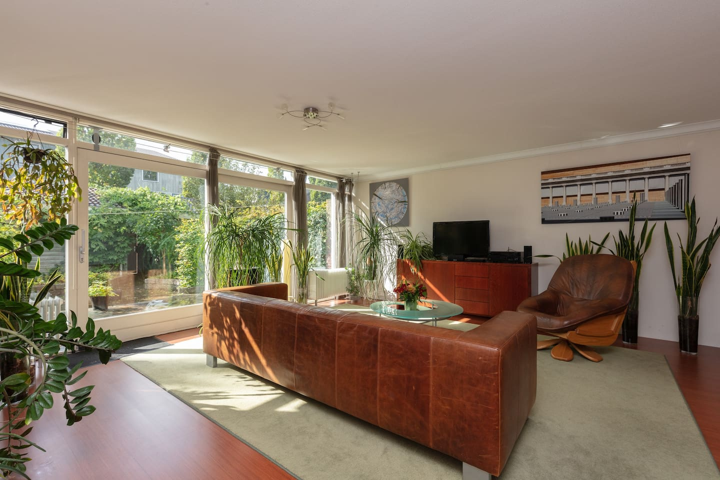 Living room with view in the garden