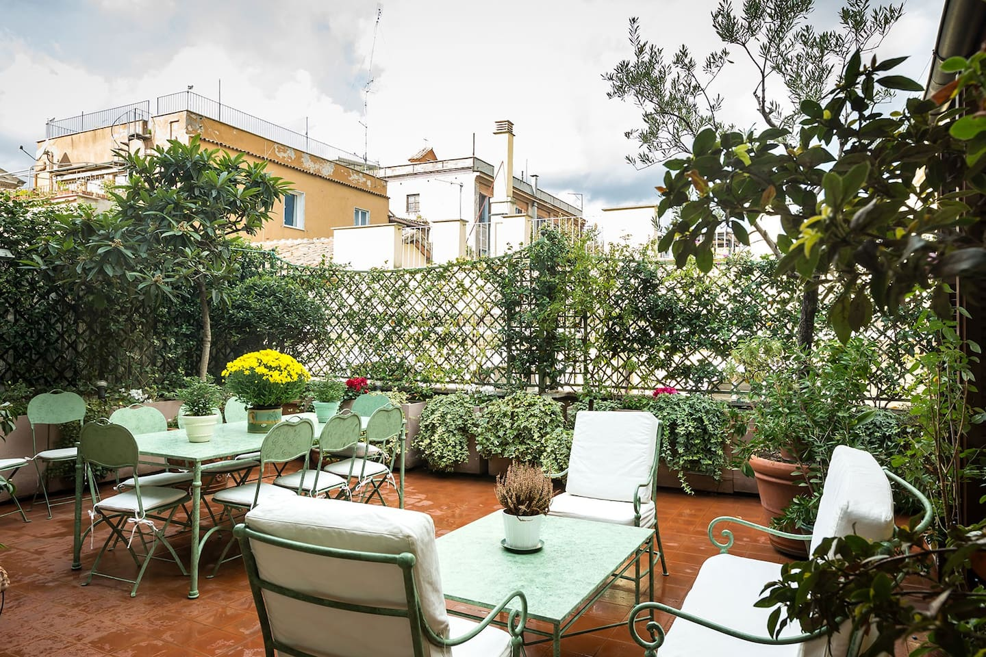Gorgeous large terrace right in the heart of Rome