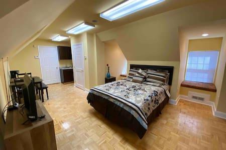 Private studio apartment close to dc/Baltimore