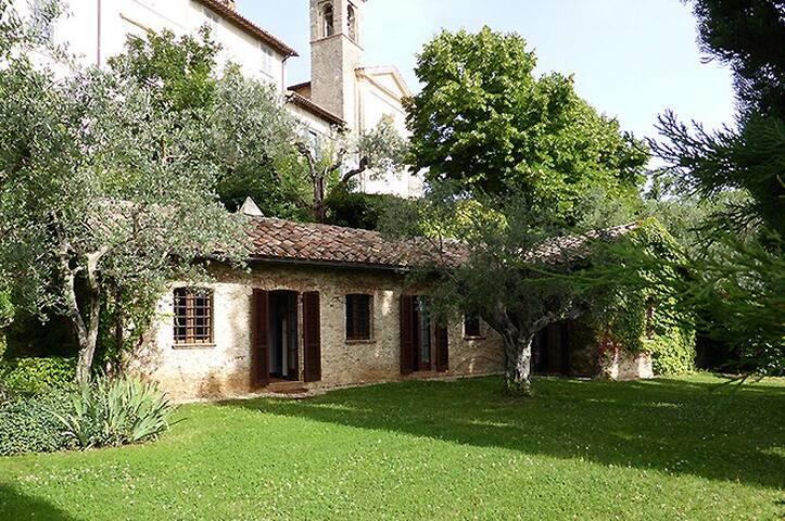 Villa panoramica con giardino in Sabina