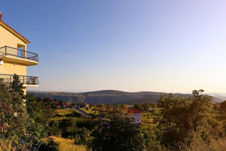 NEW! Villa Vana - Your perfect Dalmatian getaway - Žrnovnica - Appartement
