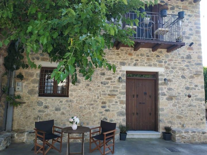 Luxurious Stone House in Crete