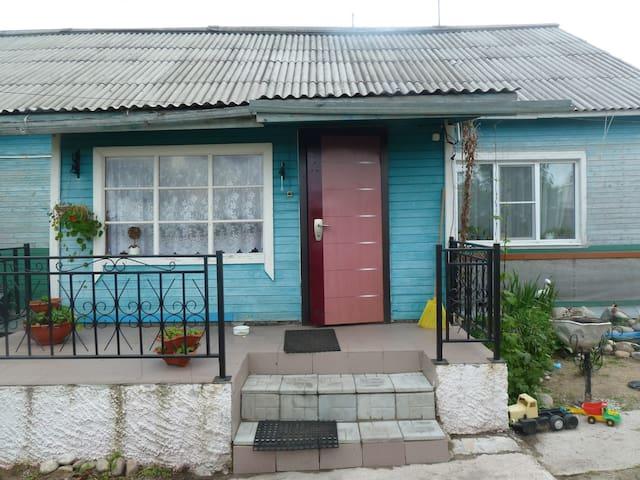 Сдам посуточно комнату - Rabocheostrovsk - House