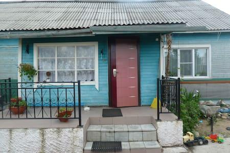 Сдам посуточно комнату - Rabocheostrovsk - Casa