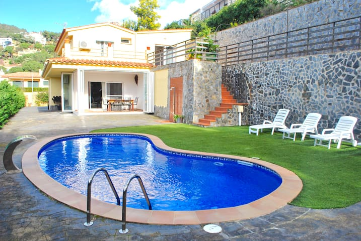 Caneylles Beach Vila with pool in Costa Brava - Lloret de Mar - Villa