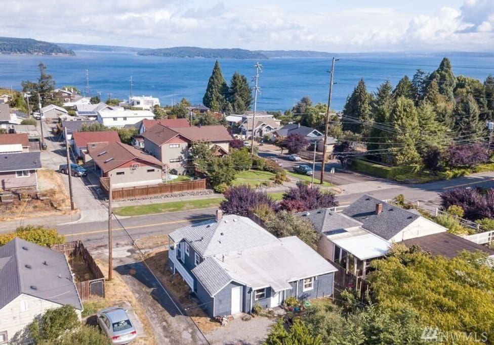 Aerial View of Property, Just minutes from Ruston Waterfront which includes restaurants, a movie theatre, shopping, and more. Point Defiance Park & Zoo is also just down the road.