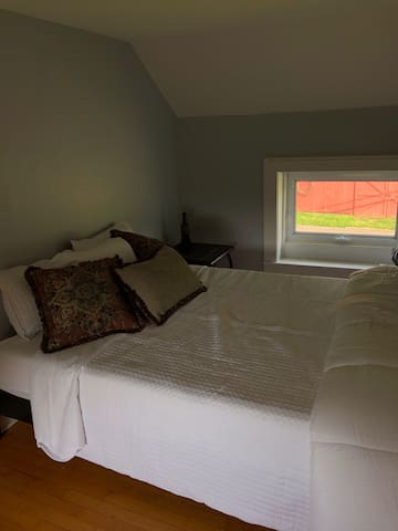 The bedroom with queen sized bed