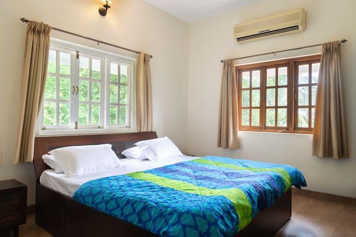 First floor bedroom 2