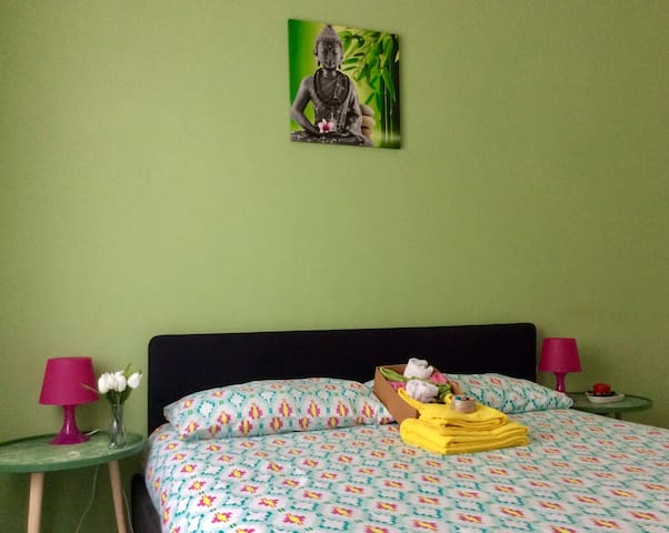 """""""This room is perfect solution for visiting Bologna. Not far from the city centre and in a quiet area. Very easy to reach and Simona is a wonderful host. Very thoughtful and kind. Her house is very colourful and clean. I really recommend this place!"""" Marialaura"""
