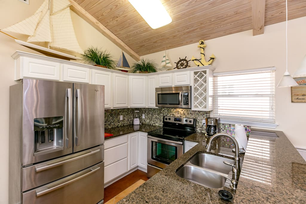 Stainless and granite kitchen with all major appliances.