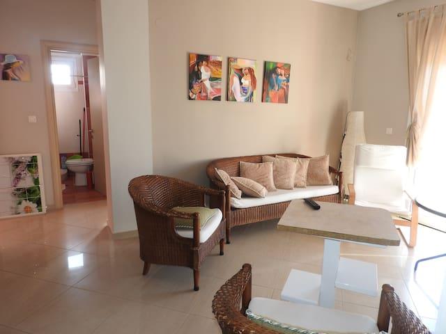 R42 Amazing apartment in wonderful complex . - Nea Plagia - Apartmen