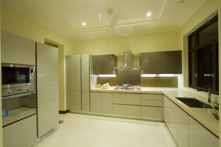 New Spacious Centrally located 3BR in Colombo 5 - Colombo - Wohnung