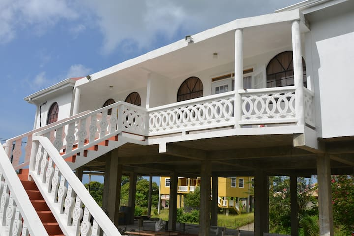 Alexo's St.Lucia Villa