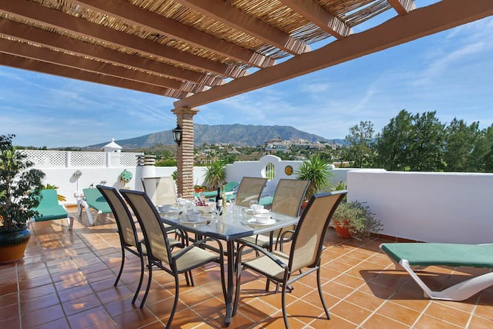 3 bedroom apartment with roof terrace
