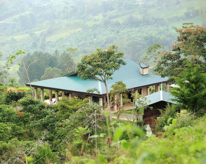 Full house and bungalow on coffee farm with horses