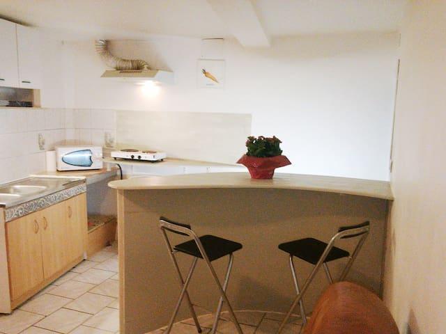 60m² apartment near Avignon, Nimes, Arles, Uzes - Montfrin - Apartamento