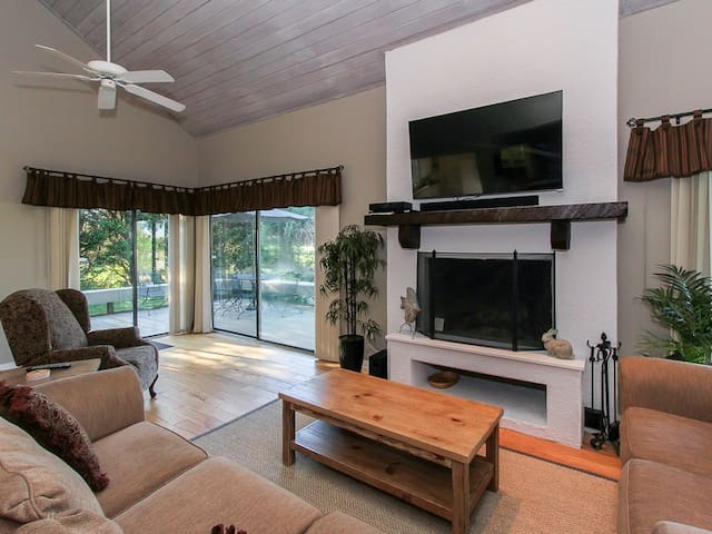Living Room with Golf Course Views at 5 Lookout