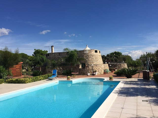 Trullo with Swimming Pool in hilly location - Villa Castelli - Vila
