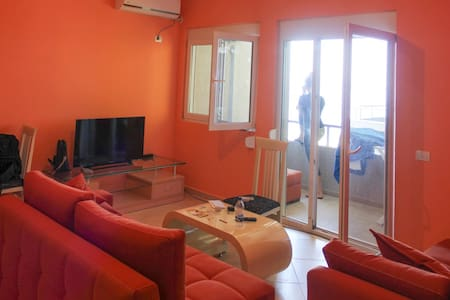 Stunning Sea View Beach Side Apartment in Vlore - Vlorë