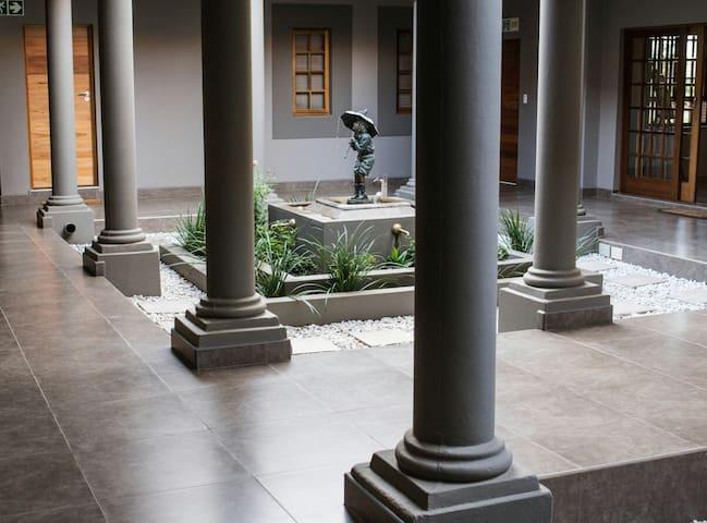 Guesthouse @ 56, Pretoria East, Mooiplaats area