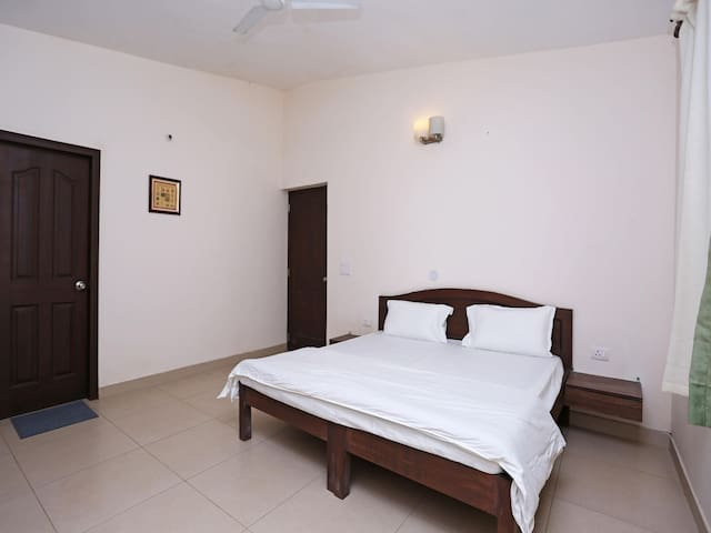 Cosy 2BHK Sea-View Apartment In Goa - Sale Alert!