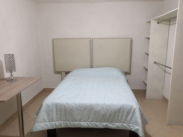 Habitación cómoda y privada