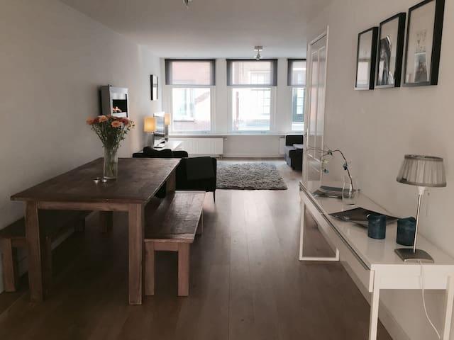 100M2 City centre modern apartment! - Ámsterdam - Apartamento