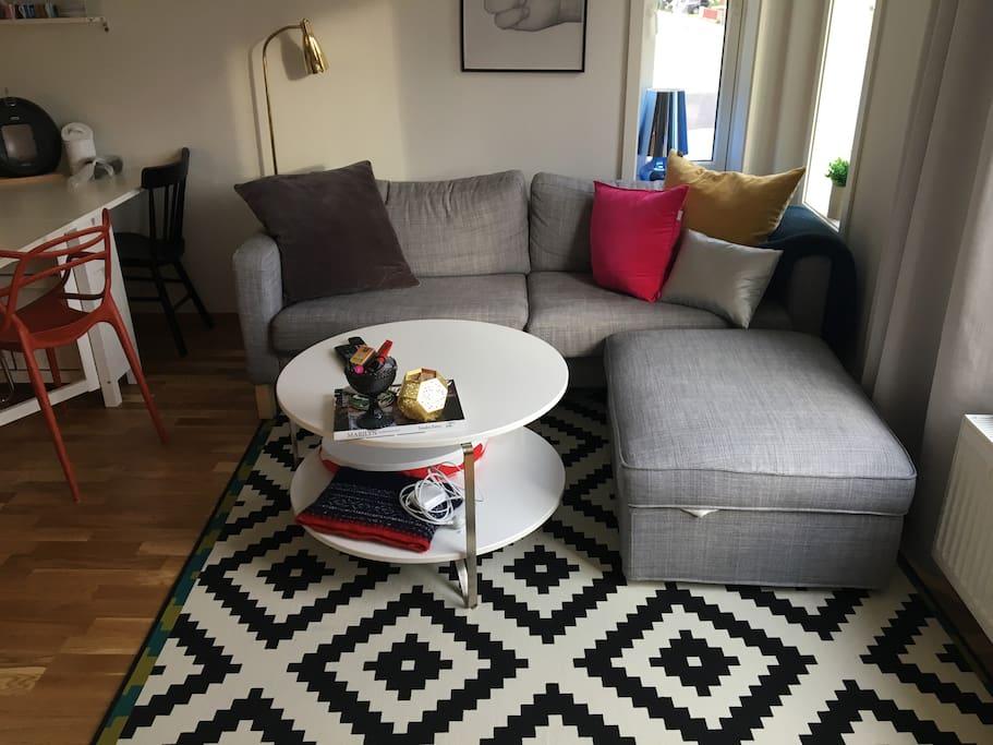 Sofa vendt mot TV
