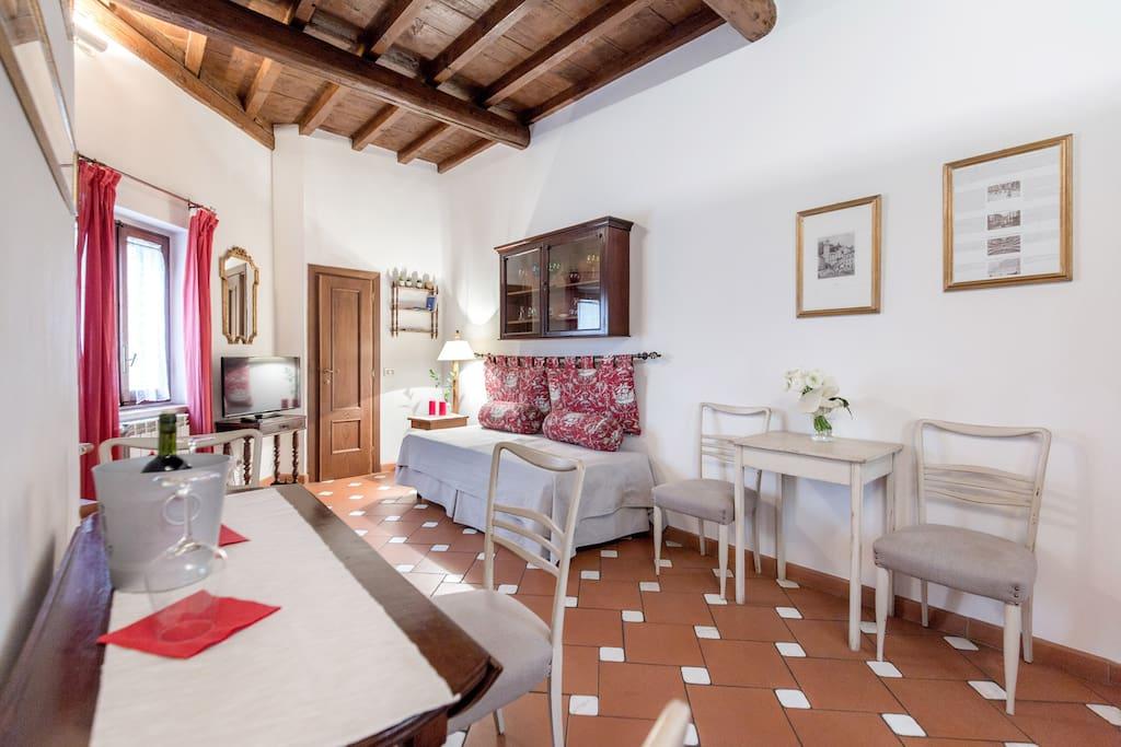 New sprone suite appartamenti in affitto a firenze for Piani di una casa piani con suite di legge