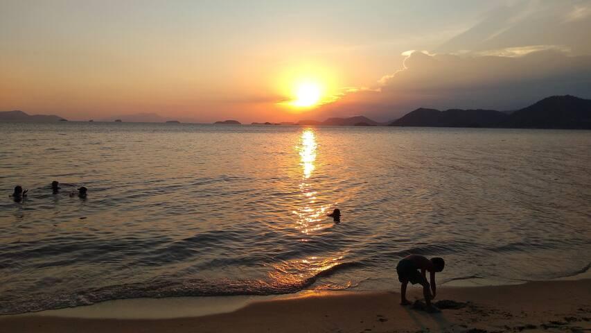 Por do sol na Praia do sol