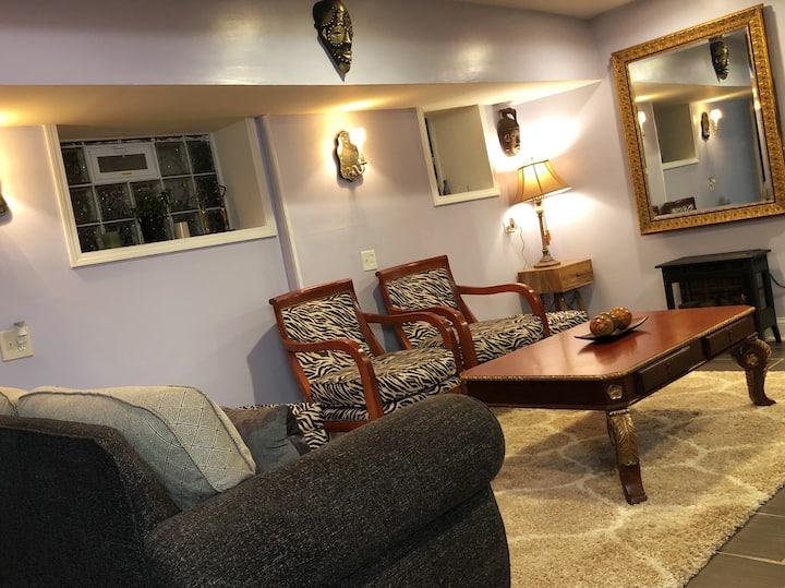 Very cozy 1100sq ft loft-style garden apartment.