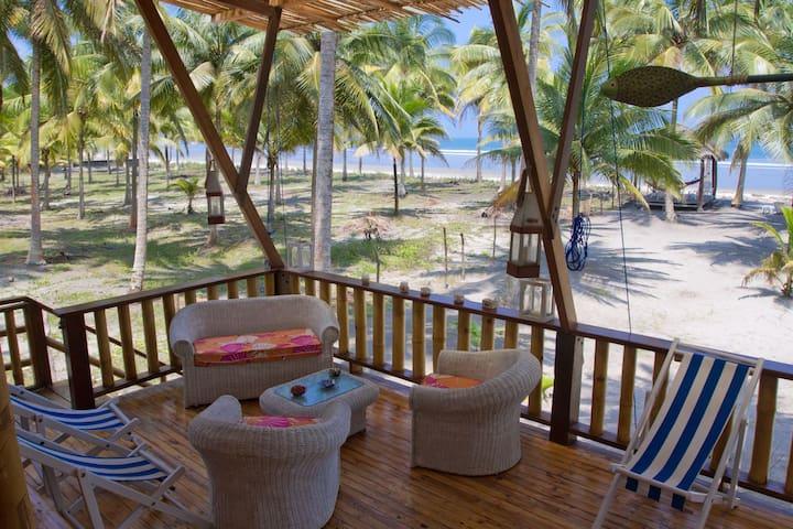 Cabaña frente al mar en Isla Portete. - Mompiche - Hus