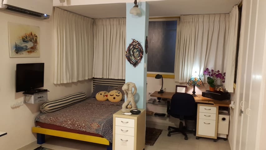 Studio in the heart of Tel Aviv